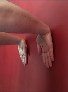forearm-extensors-stretch-4